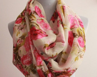 White Flower Infinity Scarf Spring Floral Infinity Scarf Chunky and Soft Infinity Scarf Large Floral Scarf  Flower Scarf