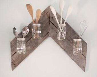 Arrow-shaped Mason Jar Wall Display