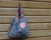 Flower tote bag, cotton bag with flower print and pink lining, with a heart applique on the front