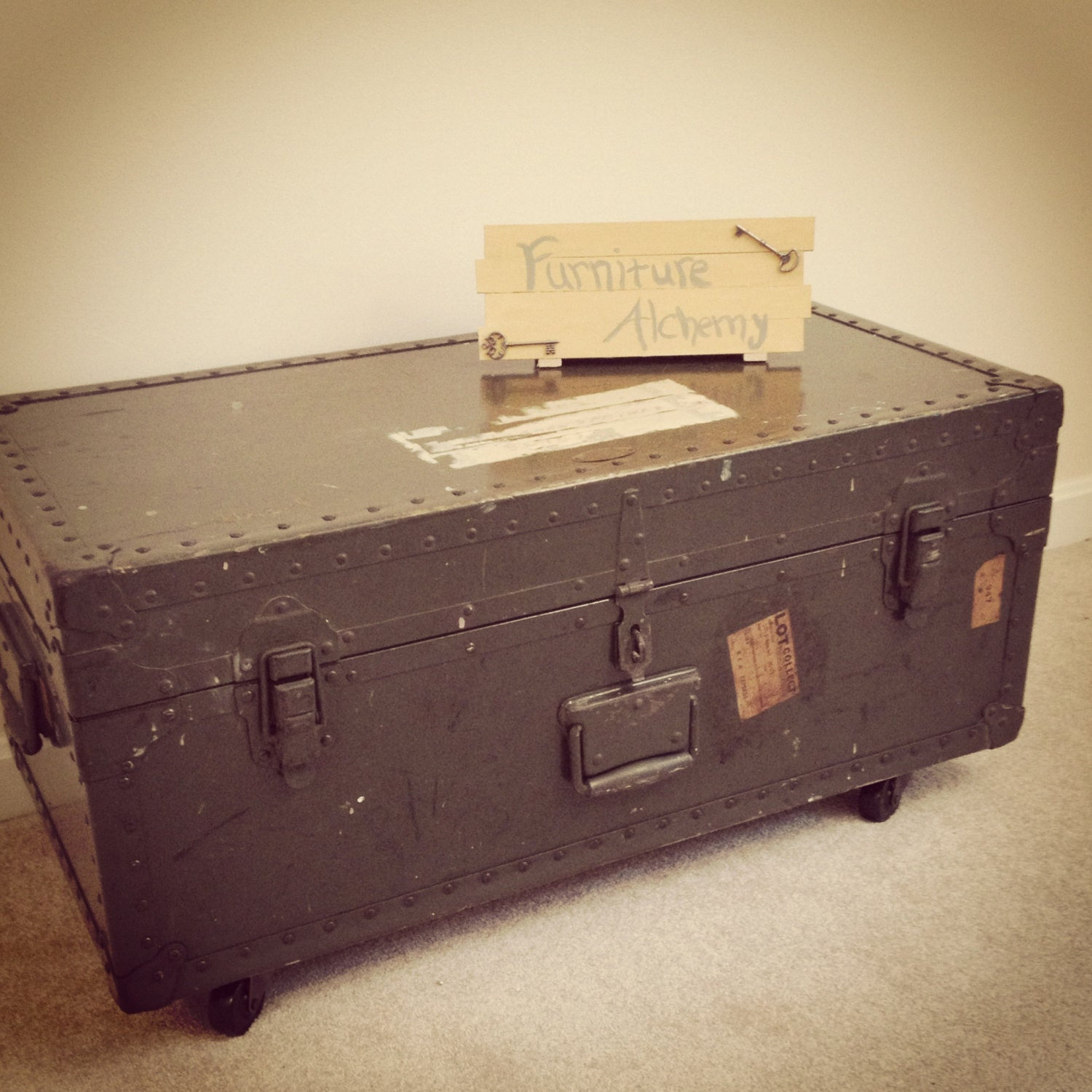 Military trunk coffee table with caster wheels industrial Trunk coffee tables