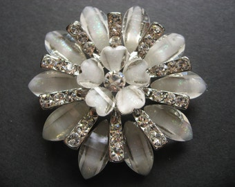 Sparkle Glass White Flower Bouquet Bridal Wedding Glass Rhinestones Crystals Brooch Pin
