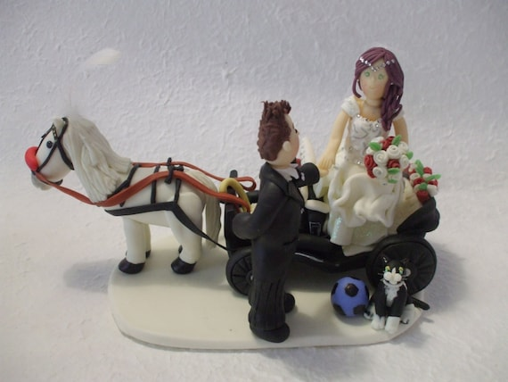 horse and carriage wedding cake topper items similar to personalized amp groom with carriage 15313