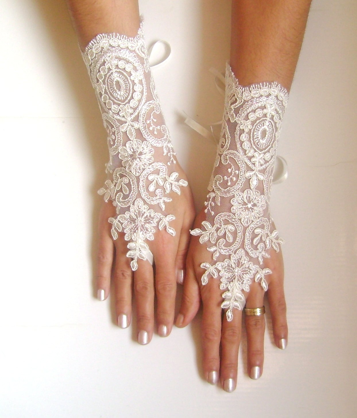 Wedding Gloves Ivory Free Ship