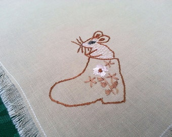 Vintage cotton table mat MOUSE embroidery hand-embroidered , fringe / napkin / placemat 80s