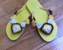 Women and teen Yellow  Flip flop size 8