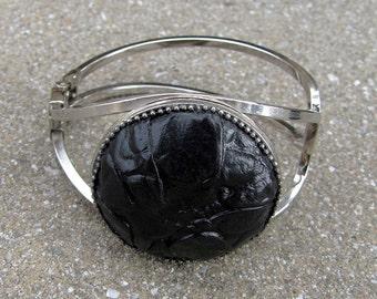 Black Round Silver Clips Bracelet