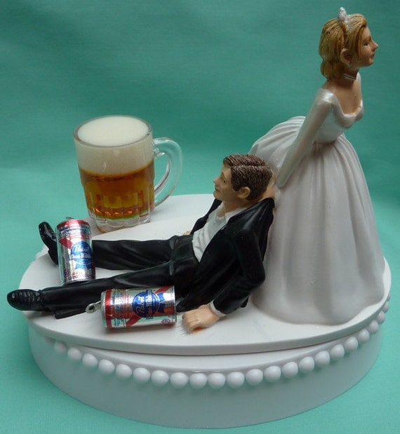 humorous wedding cake toppers bride and groom wedding cake topper pabst blue ribbon pbr mug cans 16204