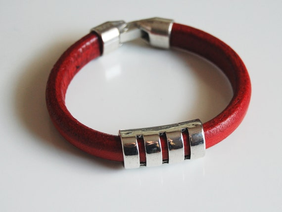 You searched for: mens red leather bracelets! Etsy is the home to thousands of handmade, vintage, and one-of-a-kind products and gifts related to your search. No matter what you're looking for or where you are in the world, our global marketplace of sellers can help you find unique and affordable options. Let's get started!