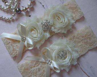 Garter / Wedding Garters / Lace Garter / Ivory Flowers /  Bridal Garter / Toss Garter  / Vintage Inspired Lace Garter