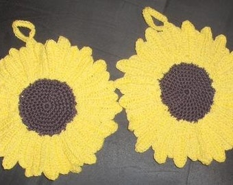 New handmade pot holders: sunflower crocheted pot holders, kitchen decor, crocheted sunflowers