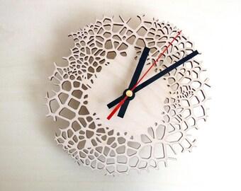 Wooden wall clock - small giraffe
