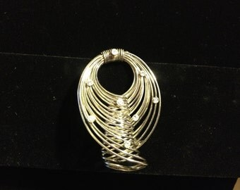 Retro Silver Wire Sculptured Brooch with Rhinestones
