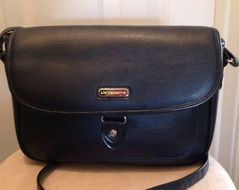 Excellent Vintage Liz Claiborne shoulder/cross body bag Navy matching wallet