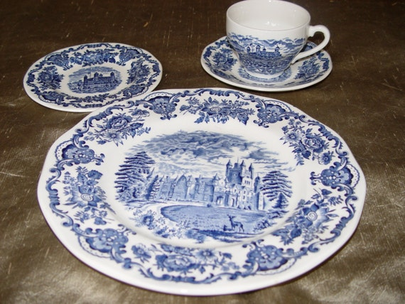 Wedgewood royal homes of britain china 4 piece place setting for Wedgewood builders