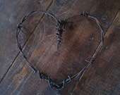 Rusty barbed wire heart home wedding gift decor