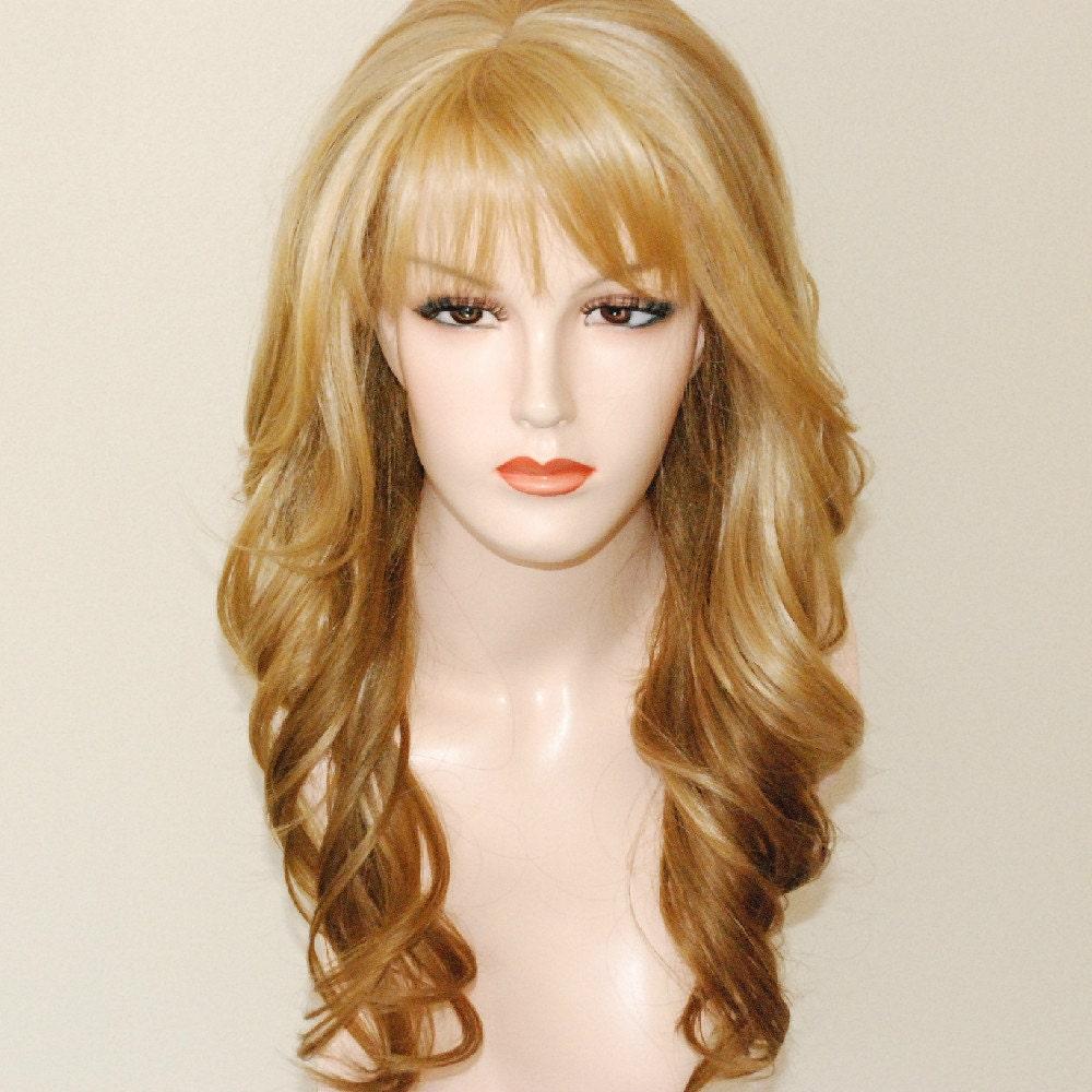 Light ash blonde to medium and dark blonde/ ombre mix/ layered