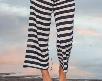 PIRATE GYPSY casual beach yoga black and white striped wide leg loose fitting lounge capri pant (calf length) with drawstring waist