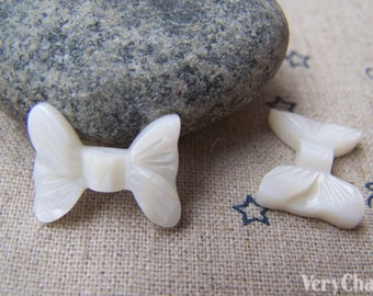 Mother of Pearl Natural Sea Shell Bow Tie Beads 14x17mm Set of 6 pcs A4064