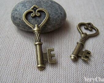 10 pcs of Antique Bronze Skeleton Key Charms Pendants 18x45mm A175