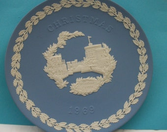 Jasperware 1969 Christmas Plate  Great Mothers Day, Fathers Day or Graduation or Wedding Gift