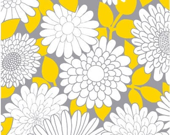 Daisy Floral Fabric - Cruzin' Medium Flower by Barbara Jones of QuiltSoup for Henry Glass 5991-94 Grey/Yellow - 1/2 yard