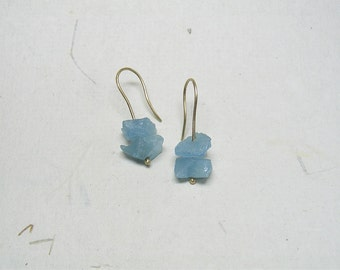 Gold Earrings with rough aquamarine