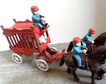 Vtg Cast Iron Circus Wagon