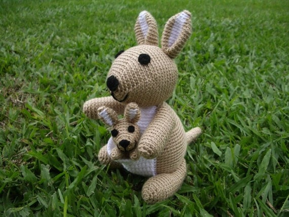 Purple Minion Amigurumi Pattern : Amigurumi Crochet Pattern Mom Kangaroo and Baby Pattern