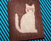 VENTE Kitty ringard avec des lunettes rouges senti l'aiguille livre