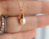 Pearl Necklace, Single Wire Wrapped Pearl Pendant, 14k gold fill, Teardrop Pearl, Bridal Jewelry, Bridal Necklace, Simple, Feminine, Dainty