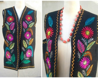 Vintage ethnic wool vest / black multi-color boho embroidered floral Guatemalan peasant tribal hippie gypsy unisex/ womens medium mens small
