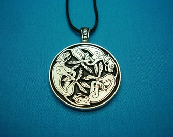 Large Circular Tri Celtic Dogs Intertwined in Silver Pewter, Necklace Pendant STK043
