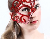 Whirly leather mask in red