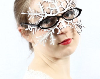 Snowflake leather mask  for eyeglass wearers in white