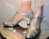 20's Metallic Silver T-Strap Dance Pumps Shoes 7 Narrow - MorningGlorious