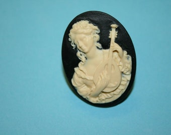 Large Black Lady & Lute Cameo Ring