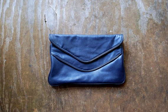 Vintage navy blue CLUTCH / 80's retro ENVELOPE CLUTCH