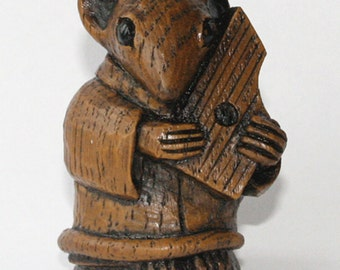 Church Mouse Musician - Playing the Psaltery