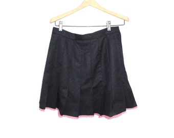 70s Pleated Skirt Charcoal Gray Wool Size S Med, Pink Lace Wool Skirt 28 inch waist, Upcycled Mini Skirt