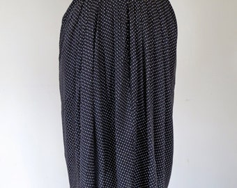 PARISIENNE // navy pindot 80s or 90s skirt XS / S