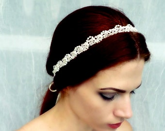Delicate Pearl Headband in Cream or White for Bridal Headpiece, Vintage Wedding, Proms, Special Occasions. Feminine Vintage Style Hair Band