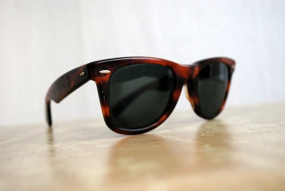 5d3f57f298b Vintage Ray Ban Sunglasses Wayfarer