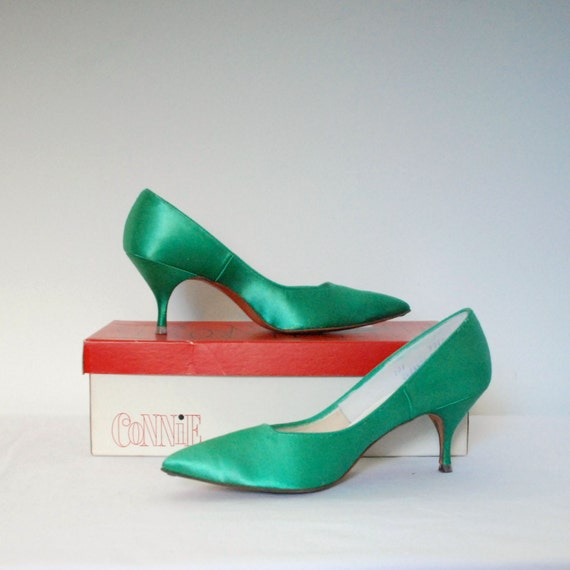 Vintage 1960s Kitten Heels / 60s Green Satin by lapoubellevintage