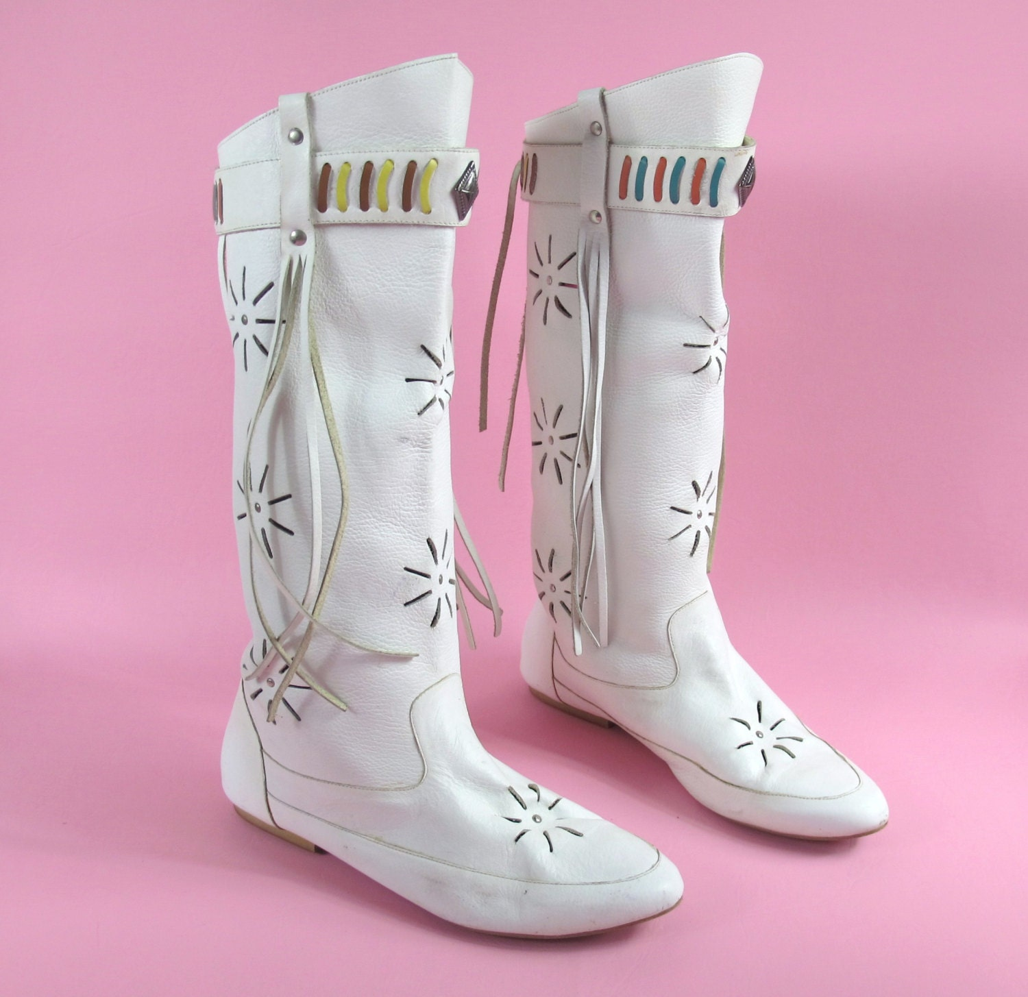 Innovative 25 Best Ideas About Moccasins (Knee High) On Pinterest | Auction Native American Images And ...