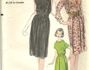 Vogue 5665 / Vintage 60s Sewing Pattern / Dress / Size 12