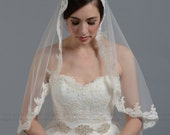 Mantilla bridal wedding veil ivory/white 45x36 elbow alencon lace