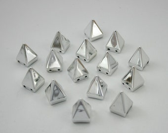 15 pcs. Acrylic Silver Pyramid Bead Charms Pendants Decorations Findings 10 mm. PYN10
