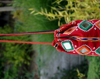 Vintage Boho Gypsy Ethnic India Embroidered Mirrored Drawstring Pouch Purse / Ethnic Folk Hippie Indian Bucket Bag with Mirrors