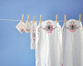 Hand Embroidered Linens Butterfly Runner Cloth Napkins Vintage Floral Dresser Scarf Set French Knot Flower Table Runner Embroidered Scarves