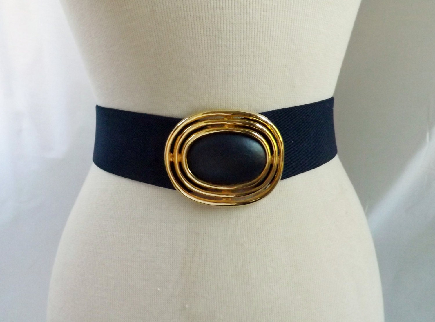 wide cinch belt 1980s stretchy navy blue gold by